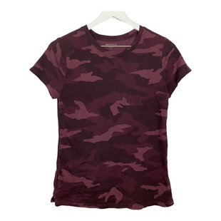 Primary Photo - BRAND: ATHLETA STYLE: ATHLETIC TOP SHORT SLEEVE COLOR: CAMOFLAUGE SIZE: S SKU: 208-208131-23698