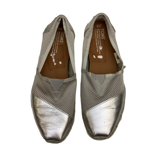 Primary Photo - BRAND: TOMS STYLE: SHOES FLATS COLOR: SILVER SIZE: 9 SKU: 208-208131-25270