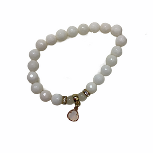 Primary Photo - BRAND:    CLOTHES MENTOR STYLE: BRACELET COLOR: WHITE OTHER INFO: NAME BRAND - SKU: 208-208131-17125