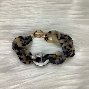 Primary Photo - BRAND:    CLOTHES MENTOR STYLE: BRACELET COLOR: BLACK WHITE SKU: 208-208114-38677