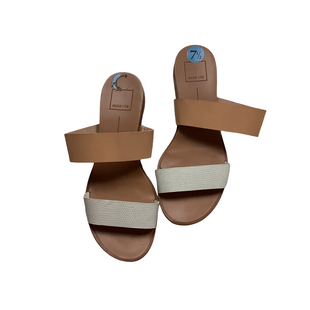 Primary Photo - BRAND: DOLCE VITA STYLE: SANDALS FLAT COLOR: TAN SIZE: 7.5 SKU: 208-208114-40613