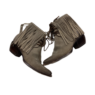 Primary Photo - BRAND: FRYE STYLE: BOOTS DESIGNER COLOR: GREY SIZE: 7 OTHER INFO: AS IS - WEAR SKU: 208-208142-10670