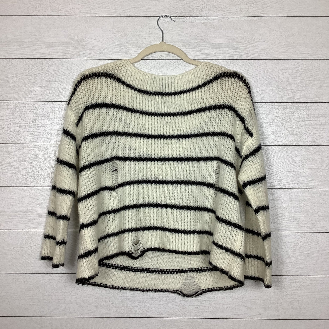 Photo #2 - BRAND: FOREVER 21 <BR>STYLE: SWEATER LIGHTWEIGHT <BR>COLOR: STRIPED <BR>SIZE: L <BR>SKU: 208-208142-10364<BR>AS IS