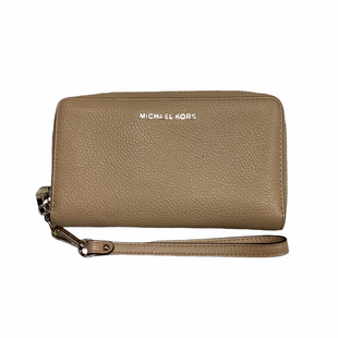 Primary Photo - BRAND: MICHAEL KORS STYLE: WRISTLET COLOR: TAN OTHER INFO: AS IS SKU: 208-208114-41905