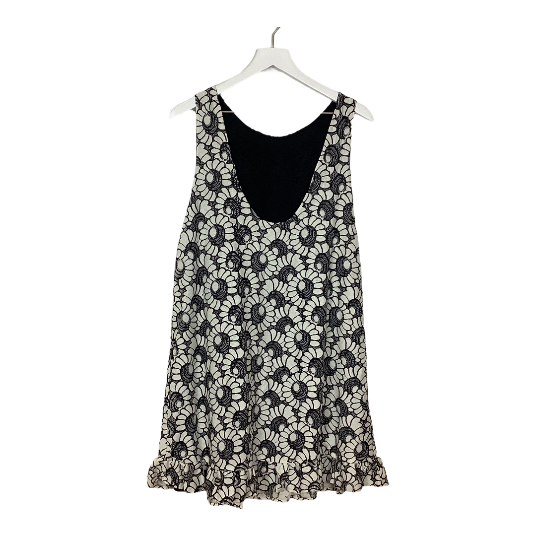 Photo #1 - BRAND: FREE PEOPLE <BR>STYLE: DRESS SHORT SHORT SLEEVE <BR>COLOR: WHITE BLACK <BR>SIZE: L <BR>SKU: 208-208165-1510