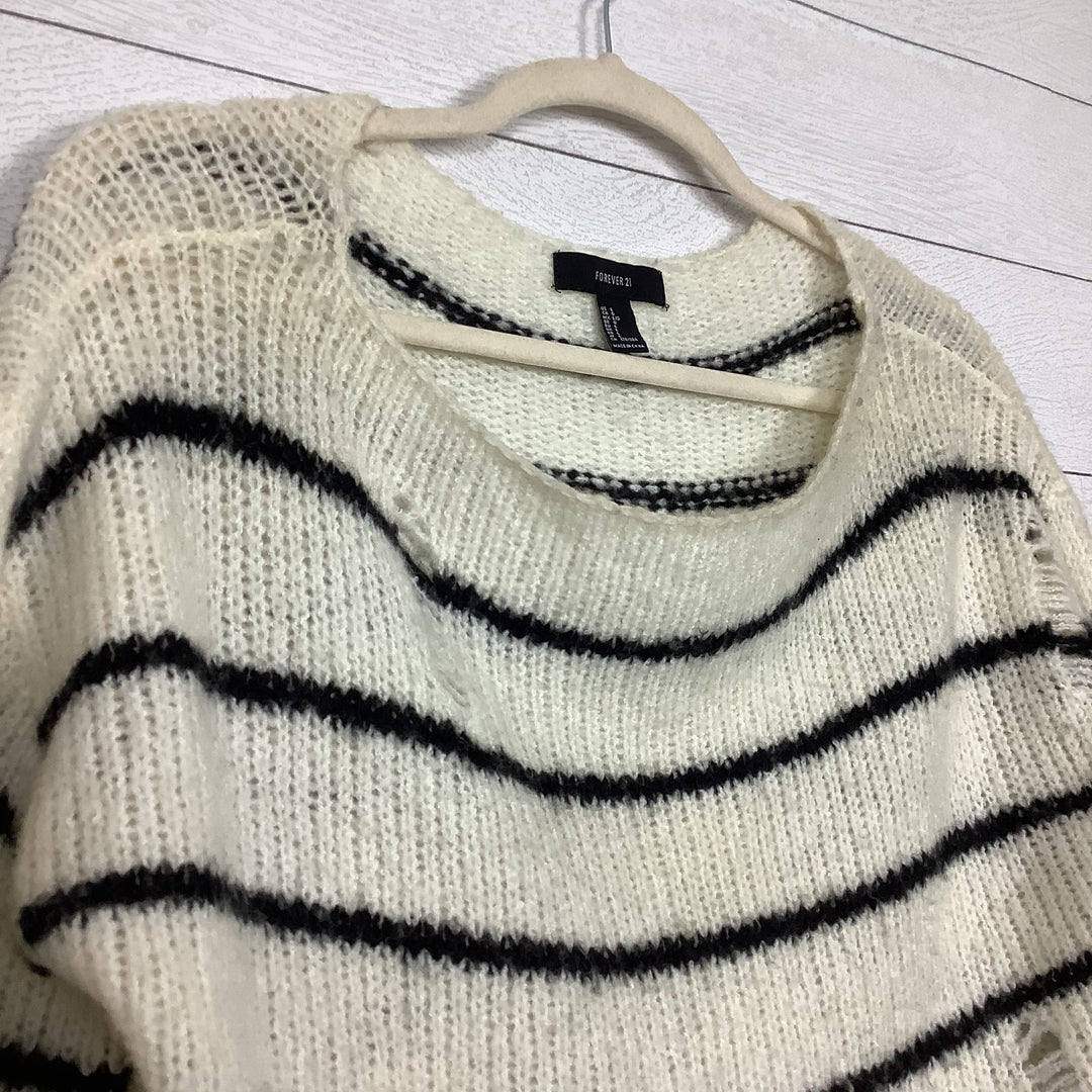 Photo #1 - BRAND: FOREVER 21 <BR>STYLE: SWEATER LIGHTWEIGHT <BR>COLOR: STRIPED <BR>SIZE: L <BR>SKU: 208-208142-10364<BR>AS IS