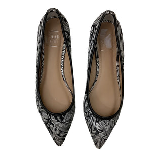 Primary Photo - BRAND: KAARI BLUE STYLE: SHOES FLATS COLOR: BLACK SILVER SIZE: 7 SKU: 208-208135-8859