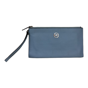 Primary Photo - BRAND: MICHAEL KORS STYLE: WRISTLET COLOR: LIGHT BLUE SIZE: L OTHER INFO: AS IS SKU: 208-208131-25618