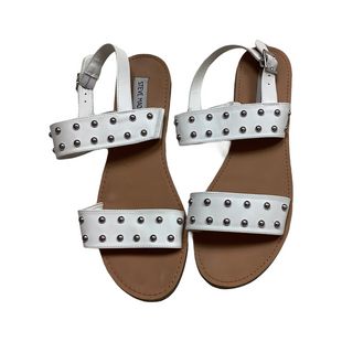 Primary Photo - BRAND: STEVE MADDEN STYLE: SANDALS FLAT COLOR: WHITE SIZE: 10 SKU: 208-208114-40420
