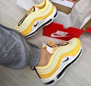 Air Wavy Pink/Yellow Sneaker