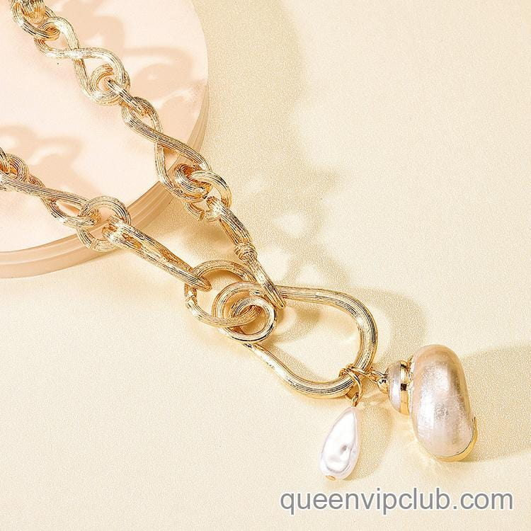 Pearl Metal Chain Necklace