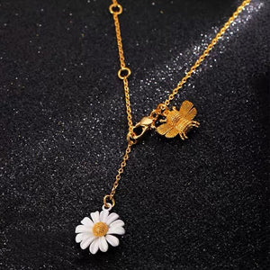 White daisy design Necklace