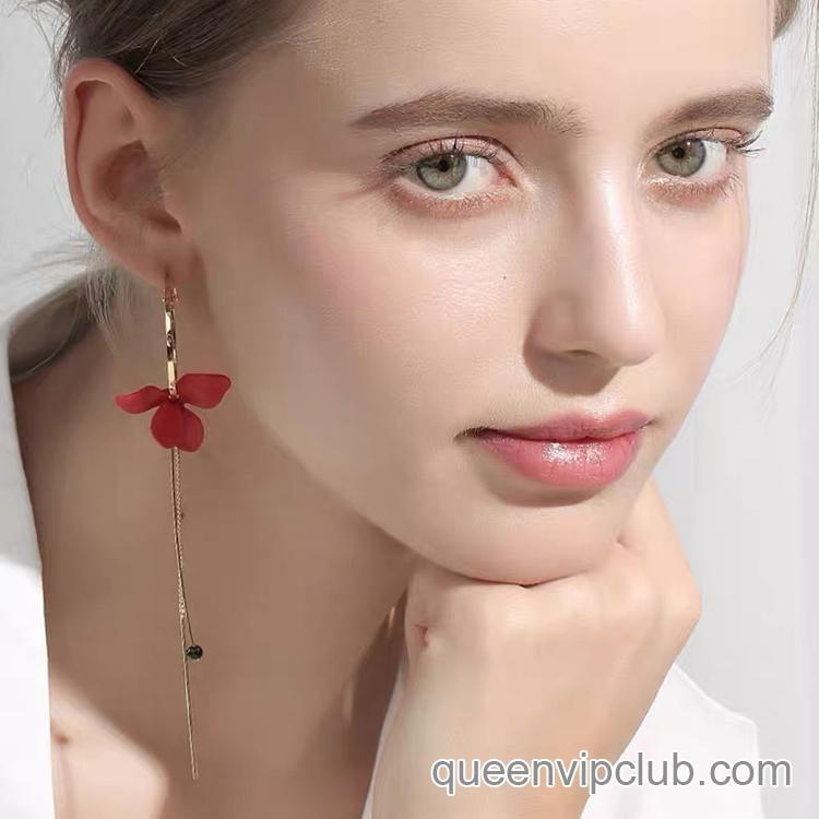 Flower Design Asymmetry Drop Earrings