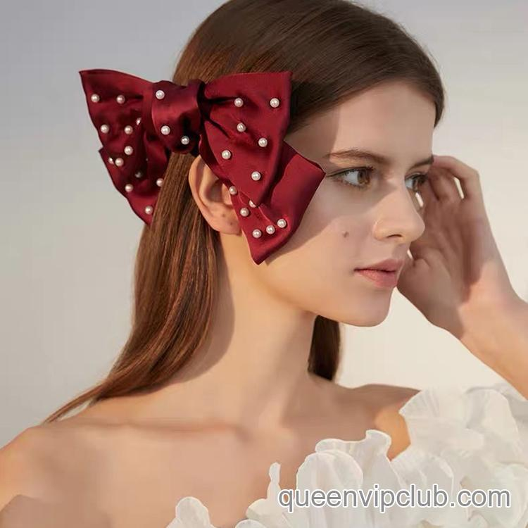 Bow tie with pearl design hairpin