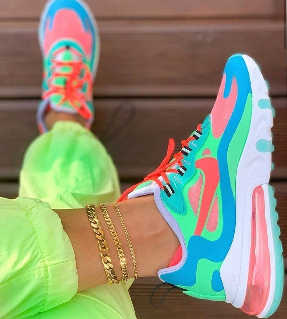 Chic Hit Color Lace Up Sneakers