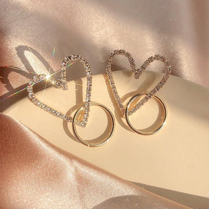 Heart-shaped design earrings