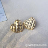 Simple heart-shaped lattice creative earrings
