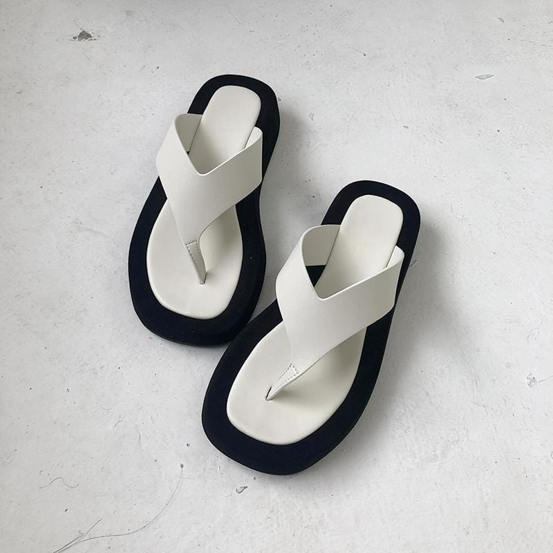 Chic Casual Flip-flops