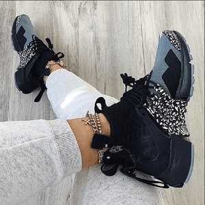 Comfy Snow Print Black Gray Sneakers