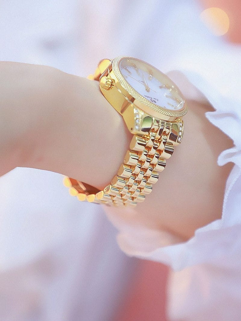 Fashion ladies gold watch