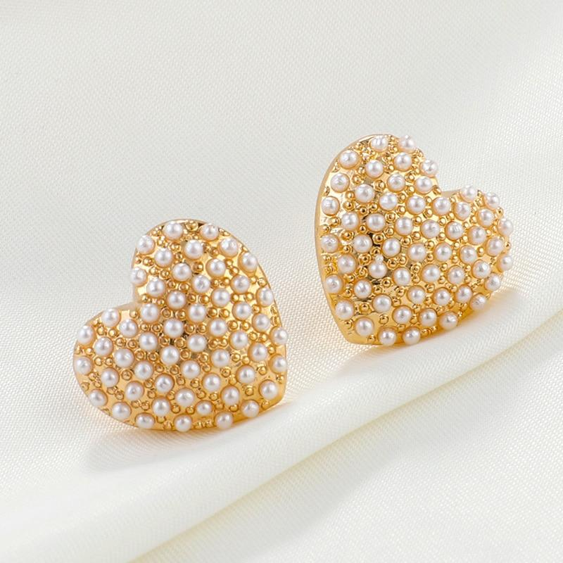 New 2019 Fashion Big Pearl Heart Stud Earrings
