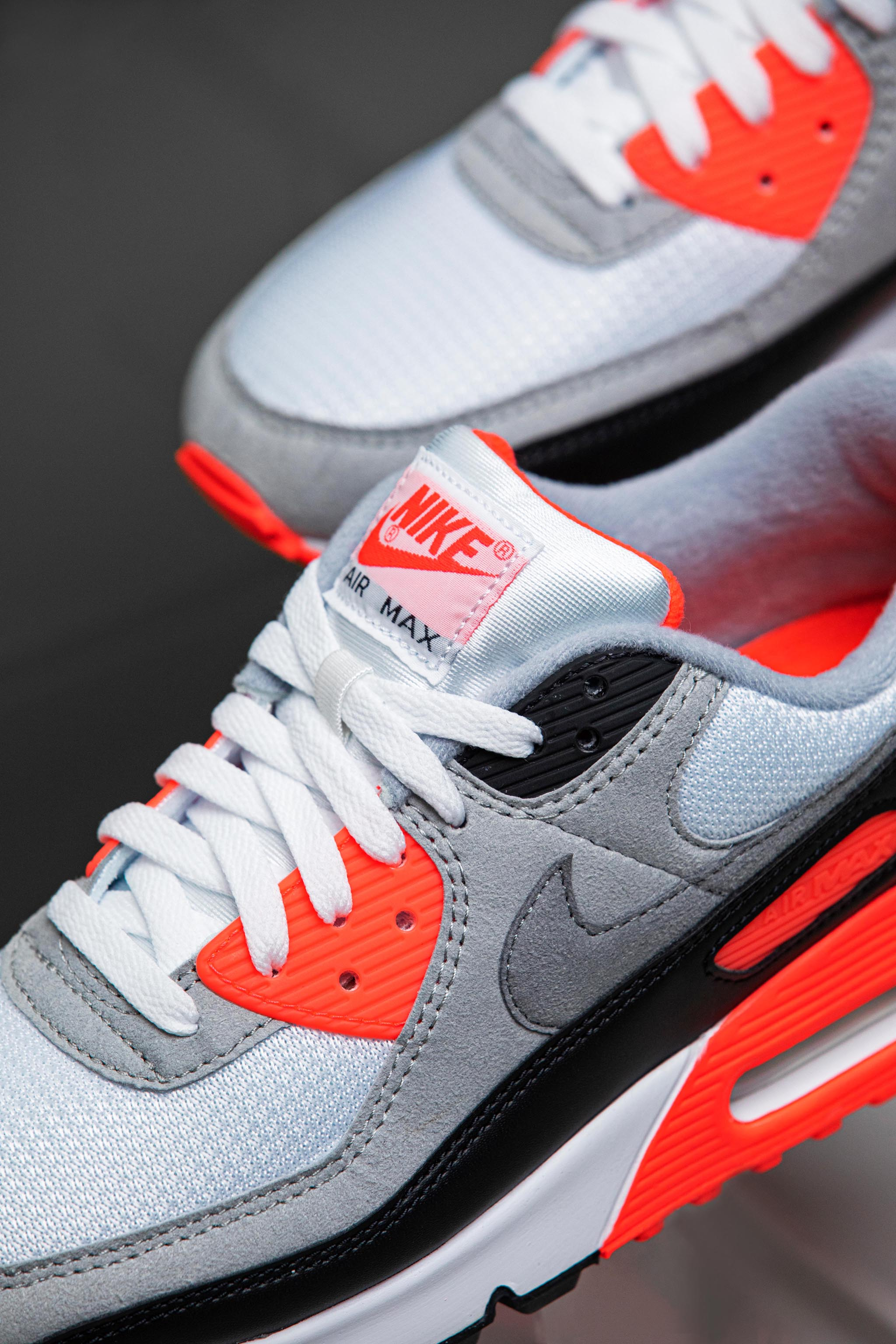 Nike Air Max 90 III Radiant Red Infrared Center Detail