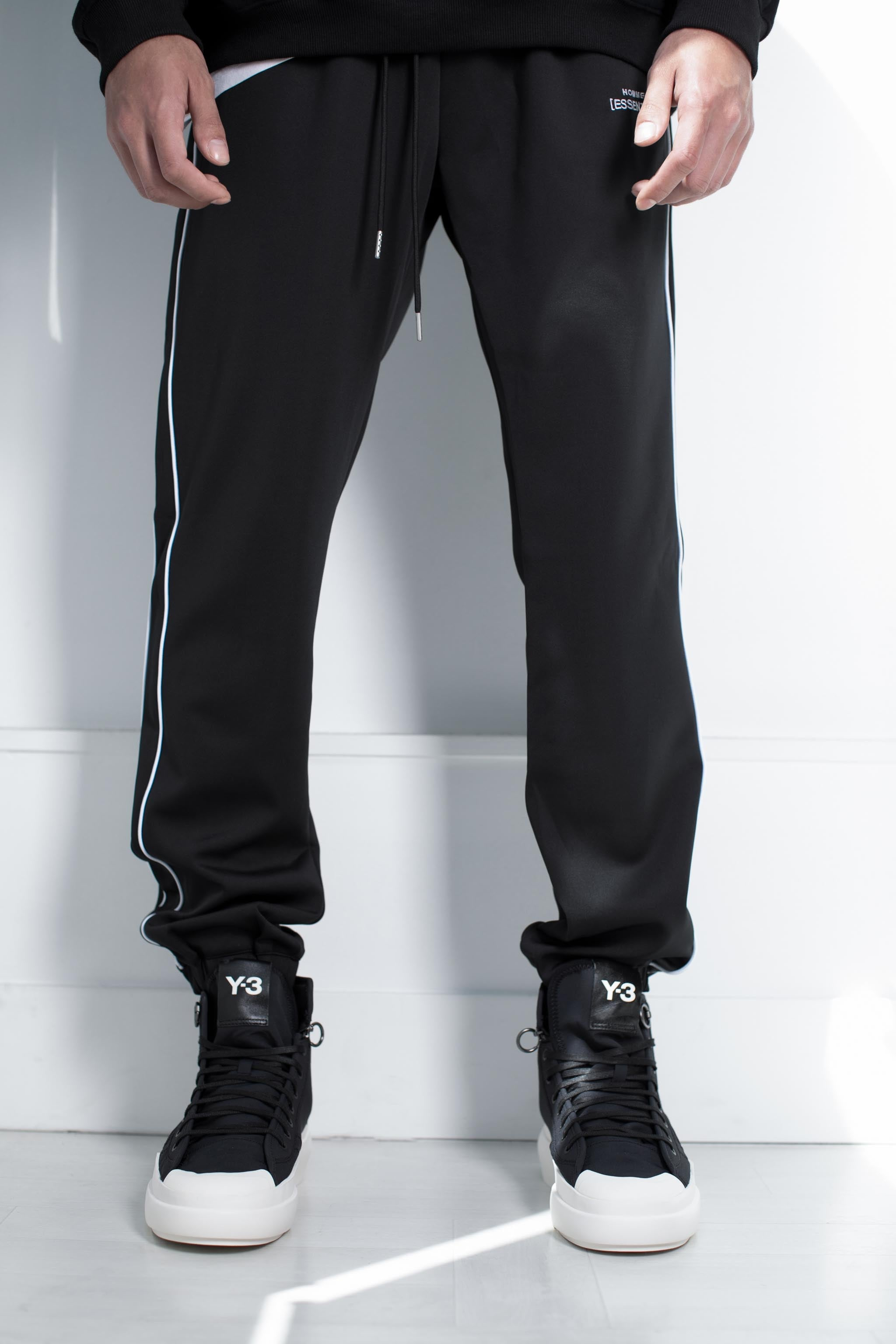 HOMME+ 'ESSENTIAL' Double Piped Trackpants - 3
