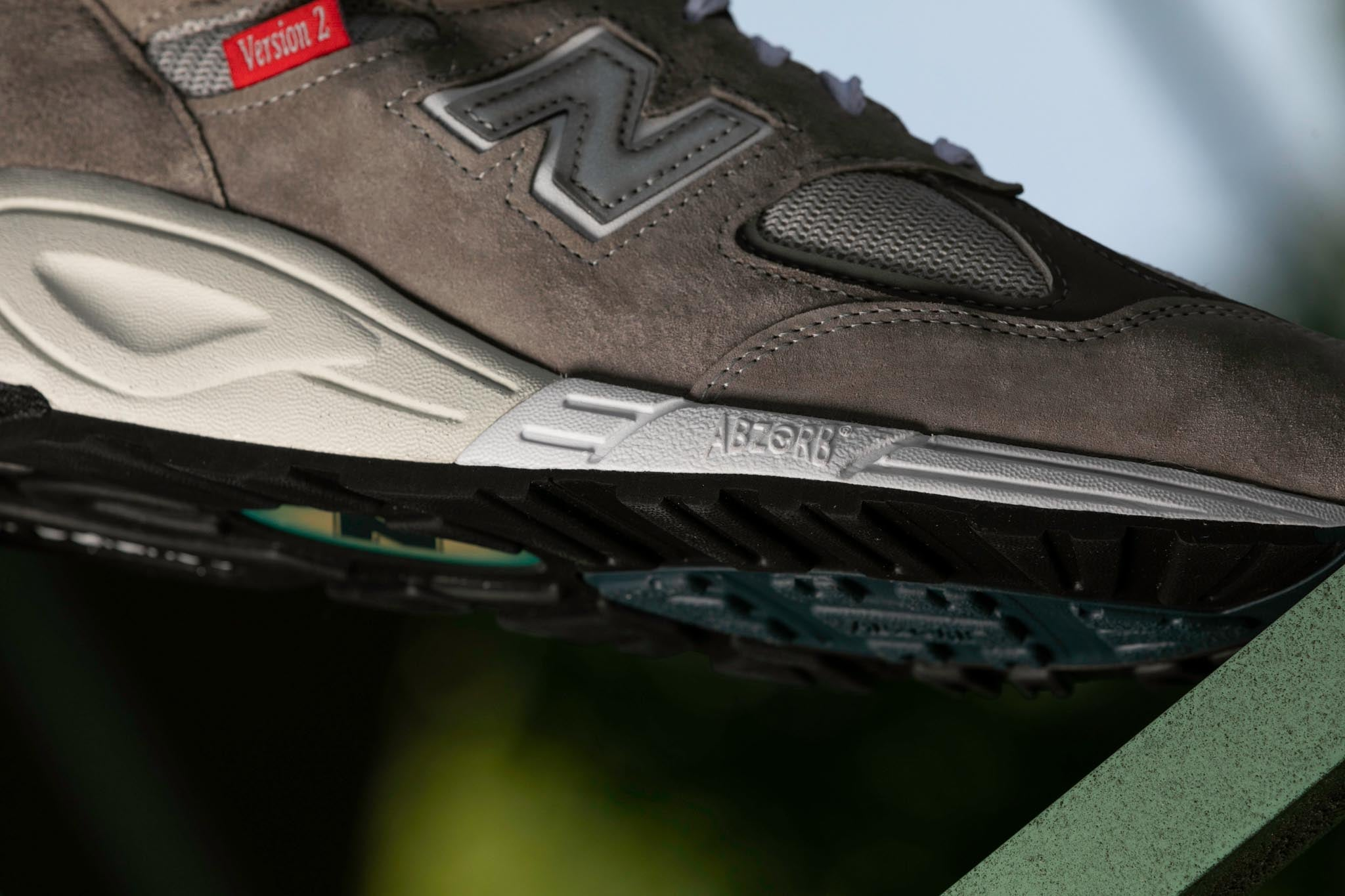 New Balance 'Made in USA' M990VS2 Version Series' - 2