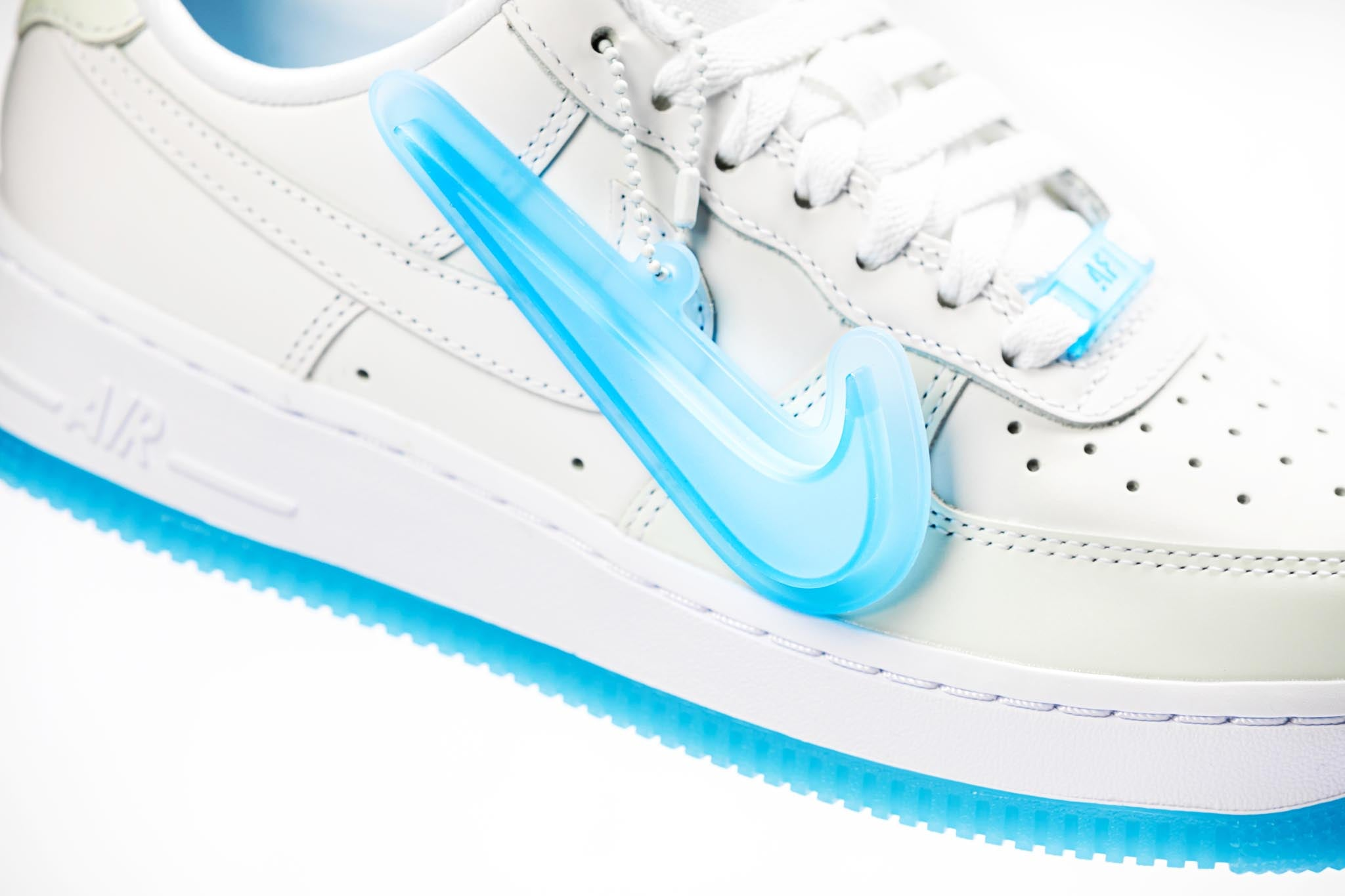 Nike Air Force 1 07 Low LX 'UV Reactive' White - 2