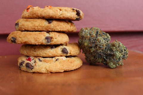 Cannabis-infused chocolate chips cookies