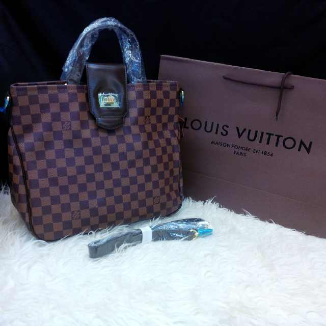 Louis Vuitton Roseburry SZ 30 Cm - Tuquh
