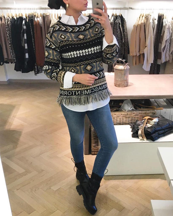 Rinascimento-kauflokal-altstadt-winter-naturfaser-outfit-instagram-c5rinascimento-shopping-onlineshopping-salzburg-c5-OOTD-austria-madeinitaly-HW2020-weihnachten-fashion-Pullover-Boho-Muster-Outfit-Bluse-Shirt-Top-Baumwolle