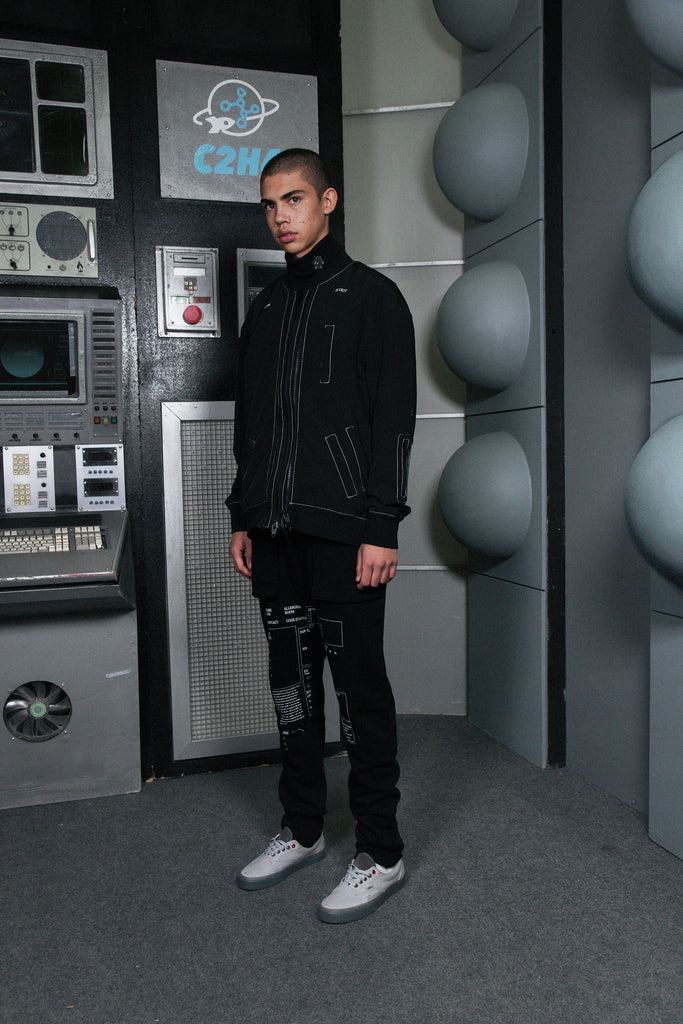 "18SS ""ZERO GRAVITY"" FORM CROPPED SWEATPANTS"