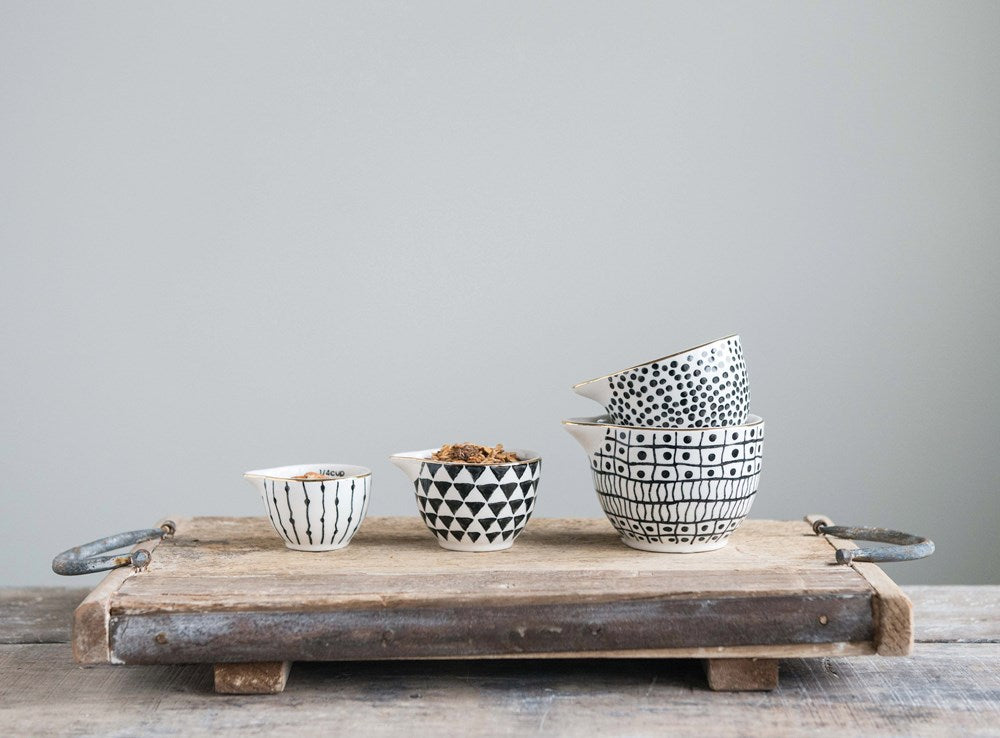 Black Pattern Measuring Cups