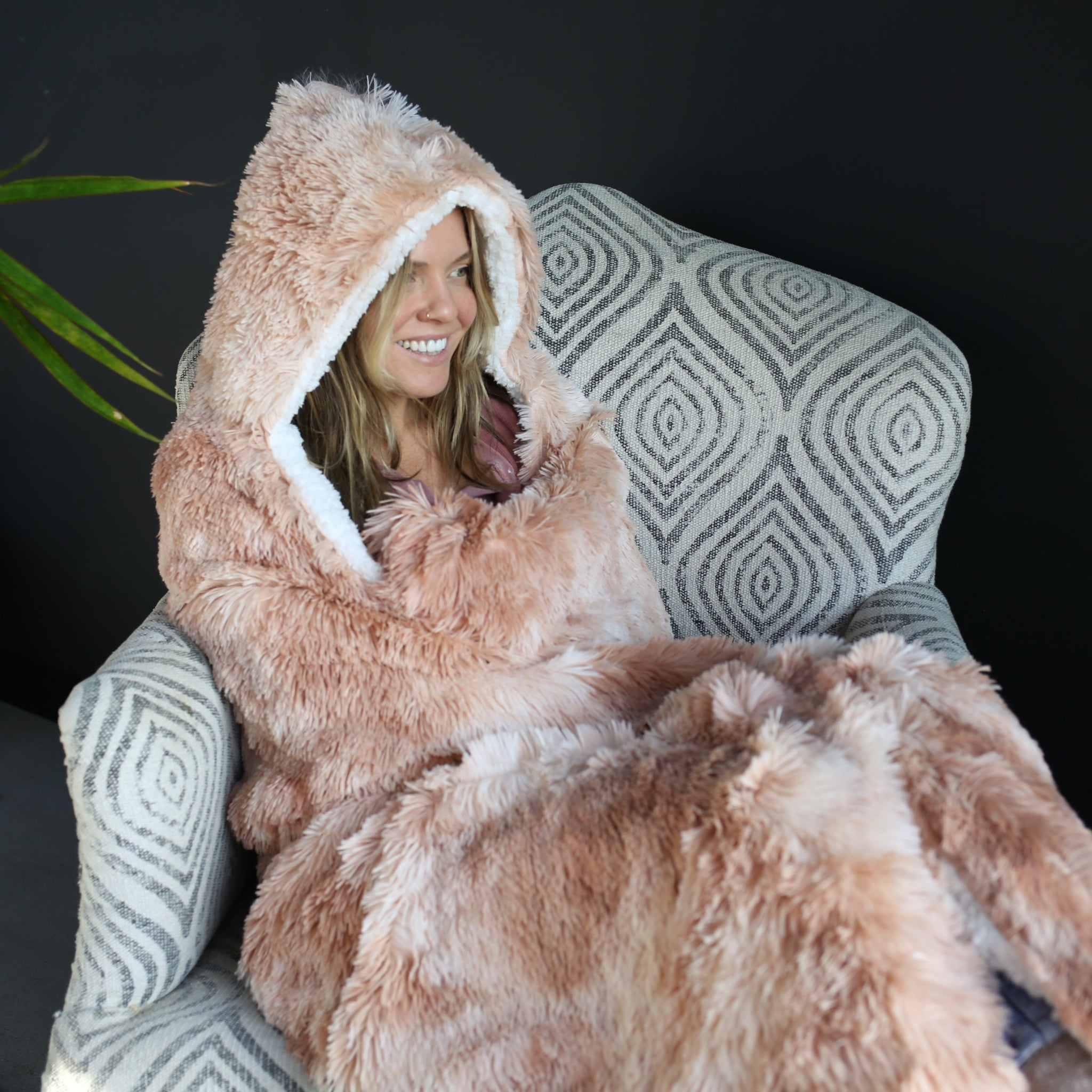 Blush Tie Dye Hooded Sherpa Blanket