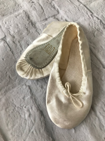 Size 6 Satin with leather sole Ballet shoes