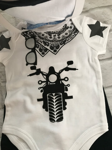 NEW 3-6 month bodysuit,bottoms and hat