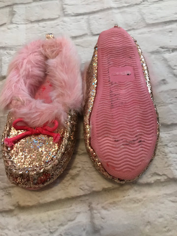 Size 9-10 pink Glitter Slippers