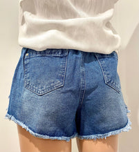 Load image into Gallery viewer, Layla Denim Shorts - Medium Blue