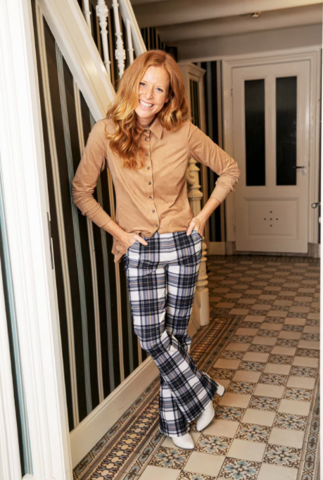 Broek in ruitprint (Flair plaid trousers) | Studio Anneloes