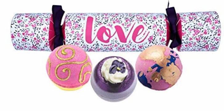 Love cracker gift set