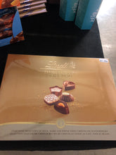 Load image into Gallery viewer, Lindt Swiss luxury selection 195g