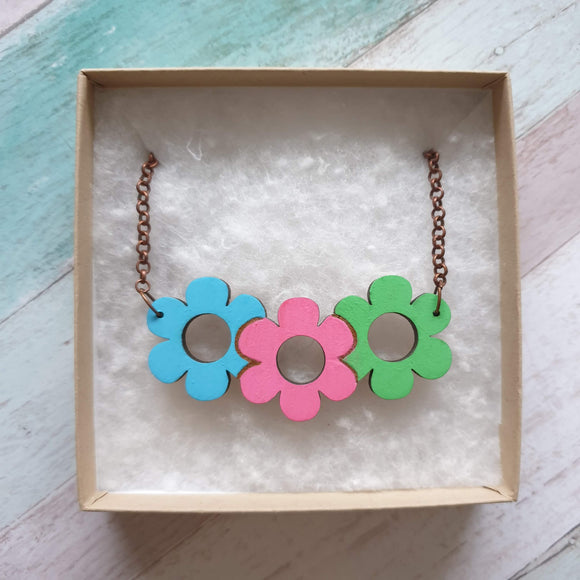 Daisy triplet necklace - 'Candy'