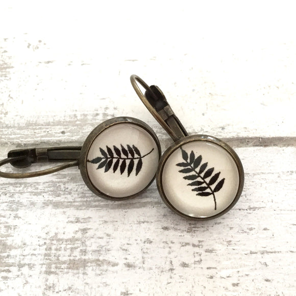 Cabochon Dangly & Stud Earrings / Natural Graphic Dark Leaf / Black And White
