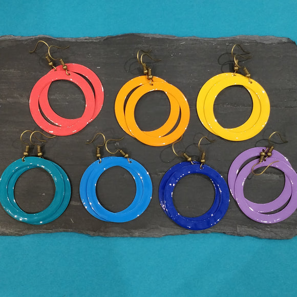 Circle Cut Out Enamel Dangly Earring