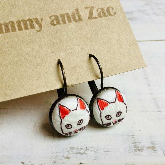 Japanese Fabric Earrings / white Cat