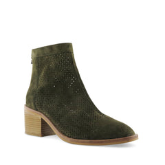 Axel olive, Chaos & Harmony, New Zealand fashion, suede boots, fall