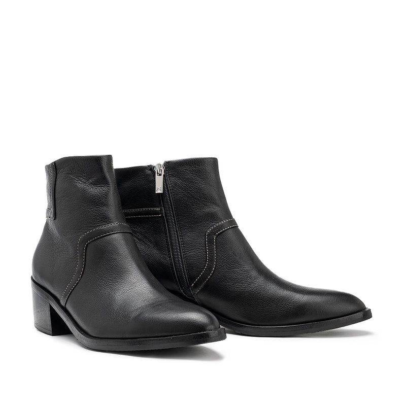 Break-through Boot - Black