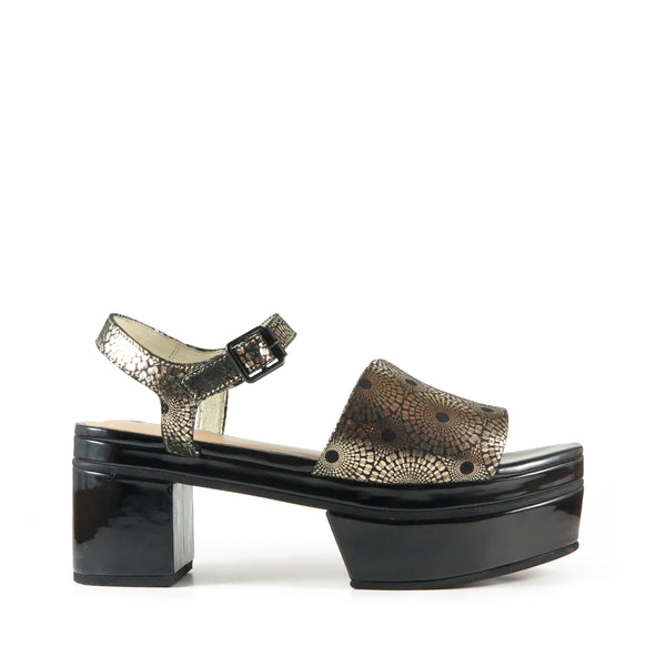 Geta, gold leather, platform sandal, Chaos & Harmony, New Zealand fashion