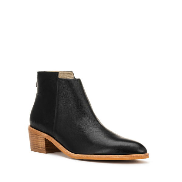 Independent Boot - Black Grain